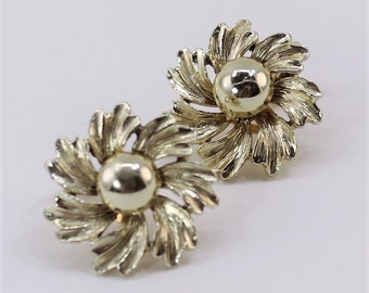 Vintage Signed Patented Pale Light Goldtone Brushed Textured Flower Gold Tone Clip On Earrings