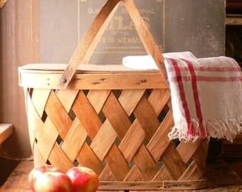 Vintage Woven Picnic Basket - Great Retro Spring Decor!