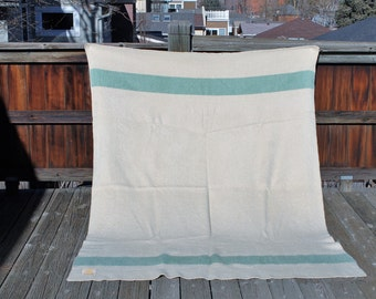 Vtg. Wool HUDSON BAY 3.5 Point Blanket pale green strip with cream field twin/queen 64 by 83