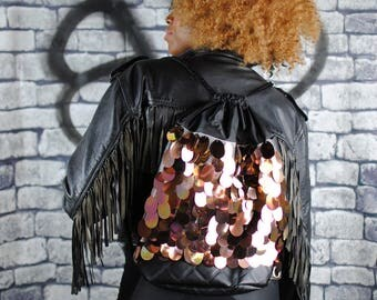 RIZZO backpack, gold sequins. Black quilted pleather.