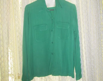 Vintage Green Rayon Men Shirt / 2 Front Pocket Button Down Shirt