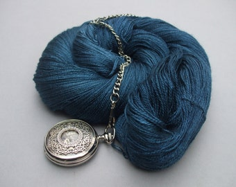 Decadent Lace. Petrel Head