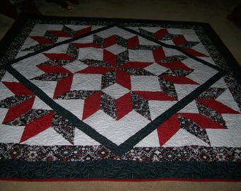 Carpenter Star Queen Size Quilt in Red, Black and White