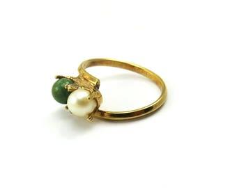 Gold Jade Pearl Ring, Vintage Jade Ring, Vintage Pearl Ring, Two Stone Ring, Green Stone Ring, Pearls, Rings Size 7, Gemstone Rings, Size 7