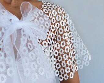 Sequined Bridal Cape, Evening Dress Cover-up, Wedding Shawl Capelet, Lace Shoulder Wrap Shrug White Art Deco Modern Romantic Wedding