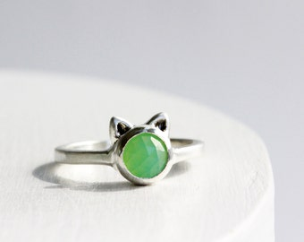 Milky Green Cat Ring,Chrysoprase and Sterling Silver, Cat Fine Jewelry,MADE TO ORDER