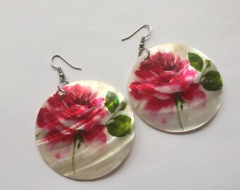 Vintage shell painted earrings, pink gypsy boho style