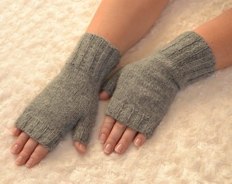 Grey cashmere fingerless gloves,hand knitted cashmere fingerless gloves,women's cashmere fingerless gloves,grey arm warmers,grey gloves