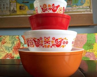 Vintage Pyrex Nesting Bowls Friendship Pattern Orange and Red Pyrex Mid Century Retro Fun Kitchen Decor