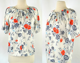 1970s White, Red and Blue Floral Print Short Sleeve Peasant Blouse