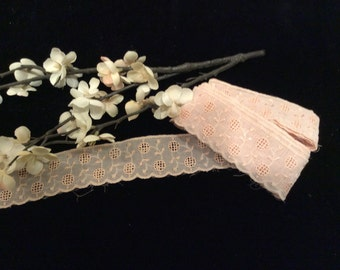 Vintage Cotton / Rayon Peach Embroidered Trim, Vintage Lace, Country Lace