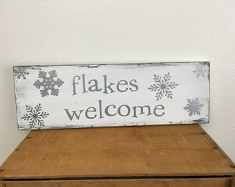 Christmas/winter wood sign - flakes welcome - snowflakes - metallic silver - distressed
