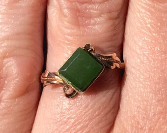 Beautiful 1930s jade ring set in a rose gold