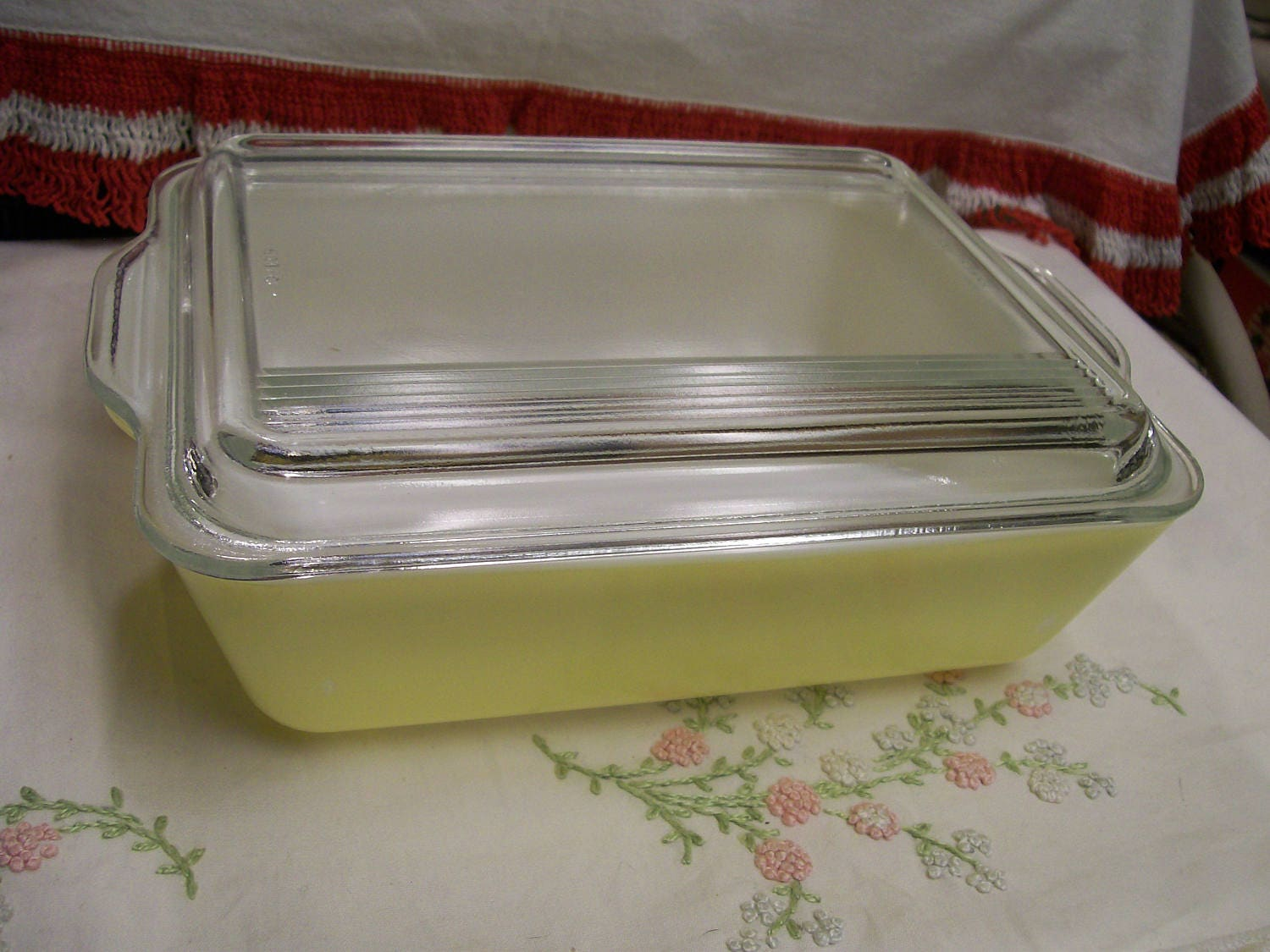 Vintage Pyrex Refrigerator Dish Yellow 503 2pc Good Condition