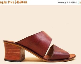 25% OFF 90s does 70s Vtg Chestnut Genuine Leather Wide Strap Wood Platform Mule Clog Sandal / Boho Hippie Minimal Chunky Stacked Heel 7 Eu 3