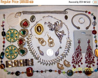 EVERYTHING 20% OFF, Vintage Jewelry (Lot 94). Big, Med. and Small.