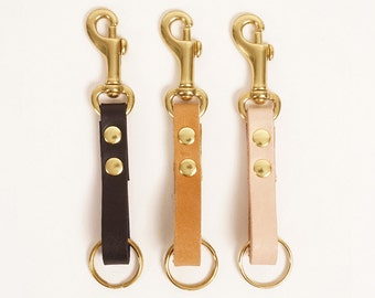 Natural leather swivel clip keychain detail | TANGO CLIP FOB