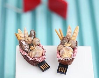 4Gb USB Flash Drive in Miniature Bread Basket