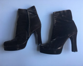 "90's chocolate velvet platform 4.25"" heigh boots size 8 leather soles"