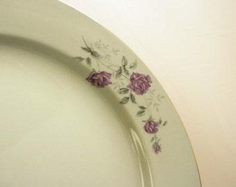 Modern China Vintage Dinnerware Plates- Set of Eight (8)