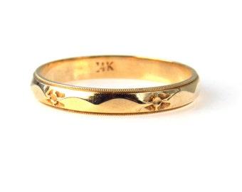 14k Gold Faceted Carved Men's Wedding Band Ring Size 12