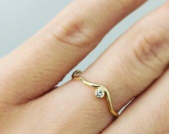 ZigZag with Side-Set Diamond/Birthstone Ring