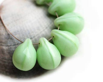 10x14mm Green Teardrop beads, Mint Green briolettes, large czech glass drops - 6Pc - 0994