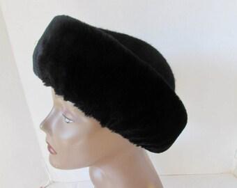 Winter Hat Betmar New York High Fashion Black retro vintage