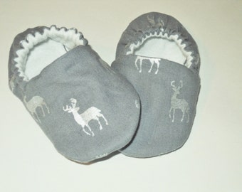 Deer Baby Booties, Newborn Baby Shoes, Gender Neutral Gray And Silver Pram Shoes, Newborn Crib Shoes, Baby Slippers, Baby Shower Gift