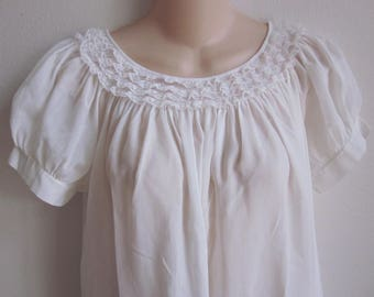 Vintage nightgown Cotton Batiste white heirloom victorian style S M