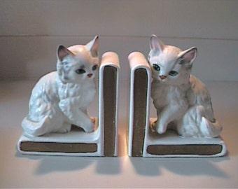 Vintage 1960's ceramic Lefton Japan Persian white cat bookends