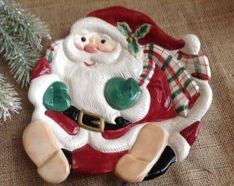 """Fitz and Floyd Christmas Plaid Santa Scarf Santa Cookie Plate 8 1/2"""" in Diameter"""
