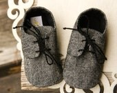 wool tweed shoes, Gray baby shoes, little man shoes, warm wool booties, crib shoes, toddler shoes, baby shower gift, cozy baby shoes