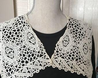 Vintage Crocheted Collar