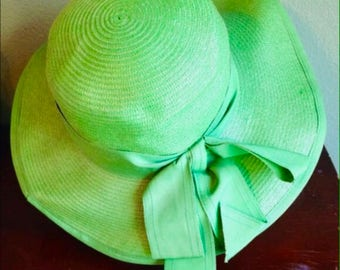 SALE > Vintage 1970s Green Cello Straw Wide Brim Hat with Grosgrain Ribbon Bow