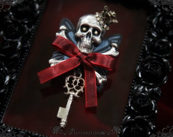 Death in Elegance Brooch
