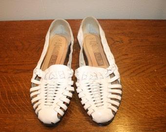 Size 8 W,White Leather Sandal,size 8 sandals,boho sandals,white sandals,sandals for women,womens sandals,size 8 sandals,wide width sandals