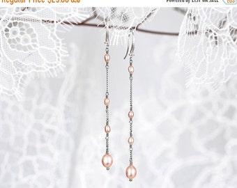 635_Peachy pearls earrings, Pink pearls earrings, Long earrings, Silver earrings, Handmade earrings, Dangle earrings, Evening earrings.