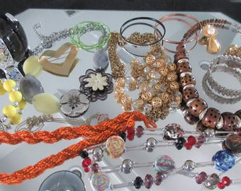 Mixed Lot (jlot4) ~ WEARABLE COSTUME JEWELRY ~ Mixed Metals / Stones