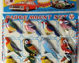 Free shipping! Vintage Display Card With 12 Bird Brooches/Badges/Pins By KTS Of Japan, Mint On Card