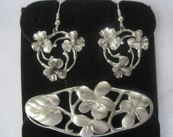 """SET Floral Brooch & Drop Earrings in a Light Pewter Tone with Art Nouveau Styling.  Unsigned.  Fab Condition.  Pin 2-5/8""""."""
