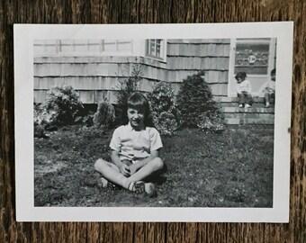 Original Vintage Photograph Sittin & Sunnin'