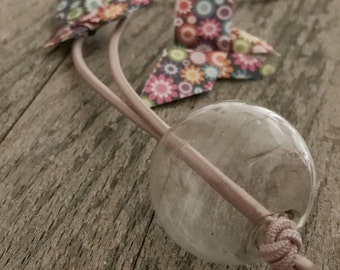 Soft lavender elastic string with trasparent handblown glass bead necklace