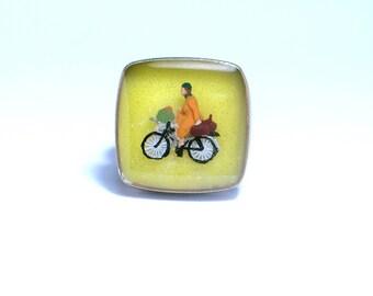 Bike lovers. Resin ring. Modern jewelry. Bike, biking, cylcling. Adjustable ring. Square resin ring. yellow