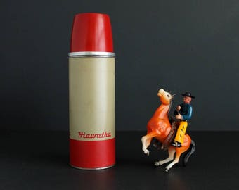 Vintage Thermos Hiawatha Brand Medium Size Red and Tan