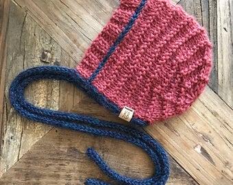 READY TO SHIP///Garter Stitch Bonnet in Victorian & Navy (Newborn)