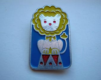 Vintage soviet USSR pin badge Lion Cat