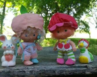 Strawberry shortcake dolls cherry cuddler and Apricot 1st issue 1980 by Kenner