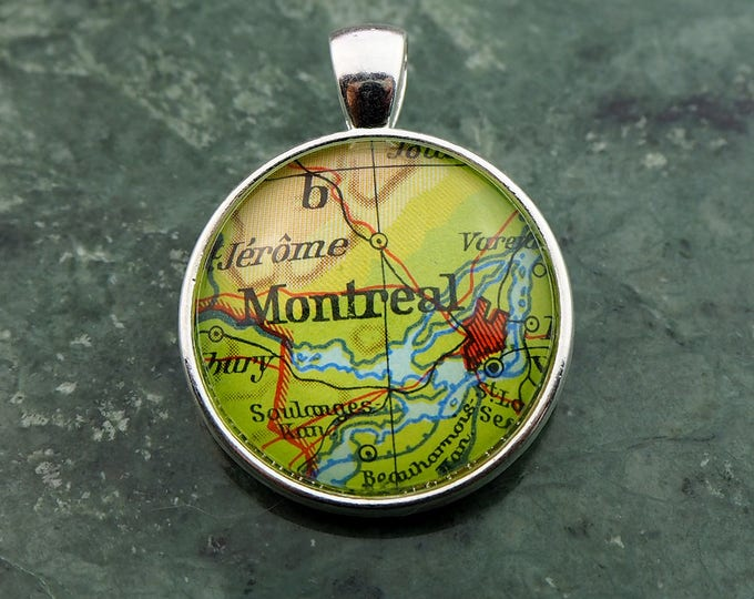 NECKLACE or KEYCHAIN, Canada, MONTREAL, Pendant, Ø 1 inch, nickle free steel, Cabochon, Glass, Atlas, Vintage, Jewelry
