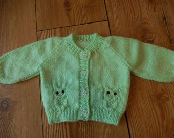 sweet hand knitted baby cardigan/ sweater green with owl design newborn